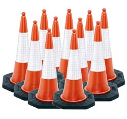 100 Pack Dominator Road Cones  safety sign